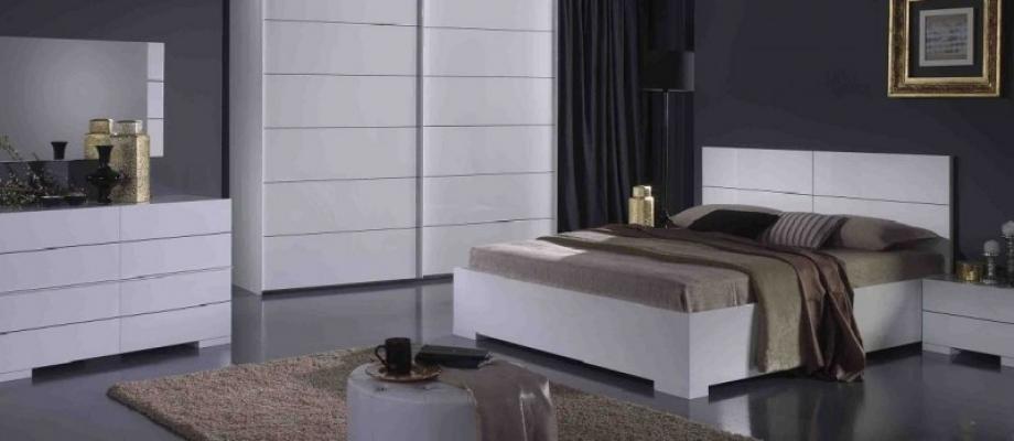 Mobila-din-PAL-lucios-alb-pentru-Dormitor-GARDA-920×348